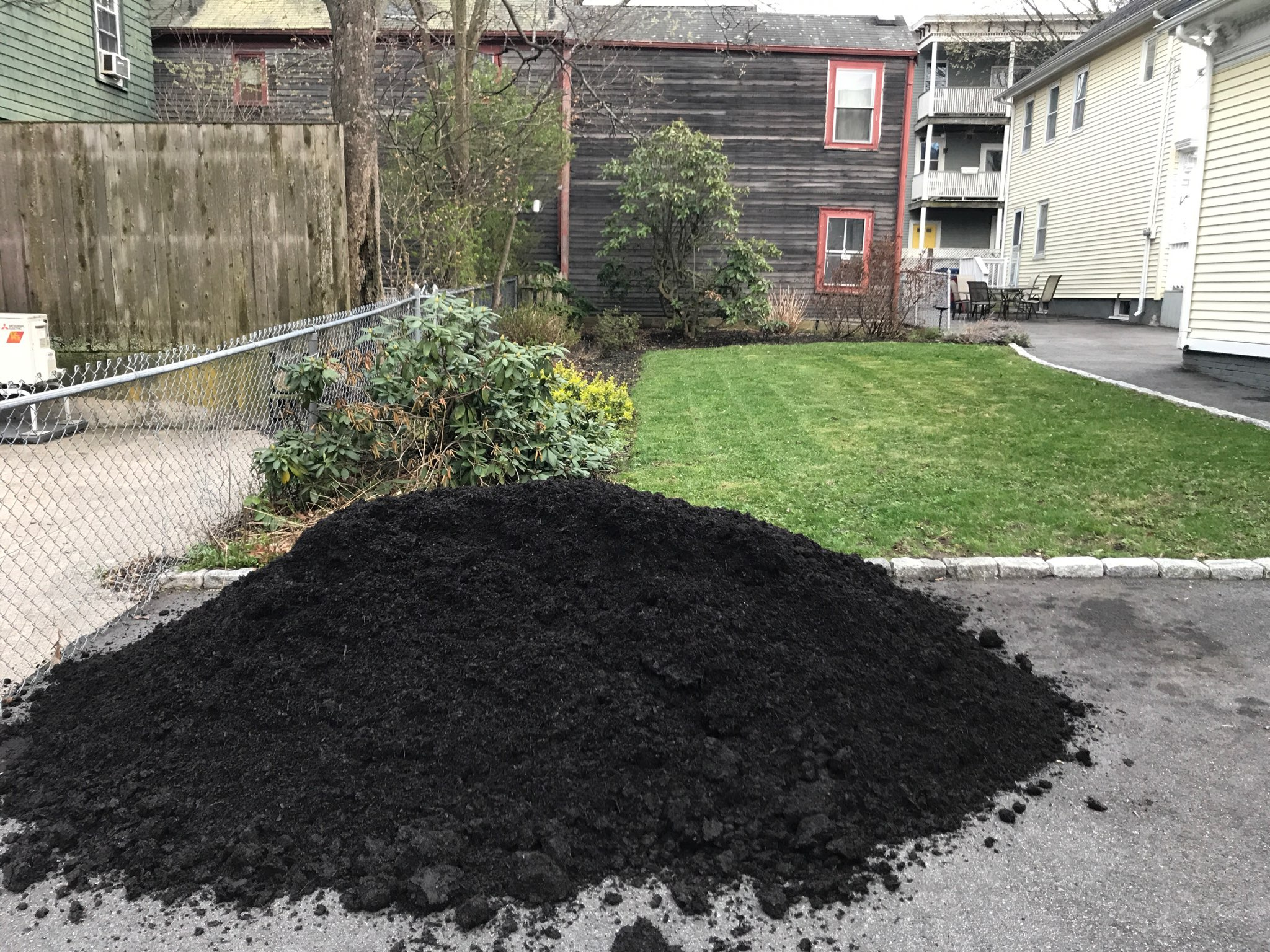 Black Earth Compost | Black Earth Compost
